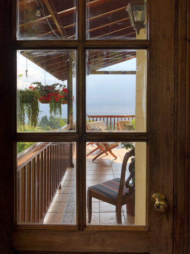 A view of the lanai from the kitchen door window.